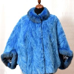 haina blana albastra